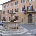 fontana e palazzo comunale